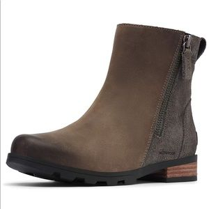NWOT Sorel Women's Emelie Waterproof Booties